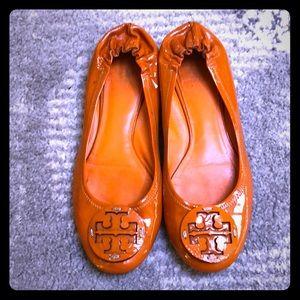 🎃 Tory Burch Pumpkin Color Flats.